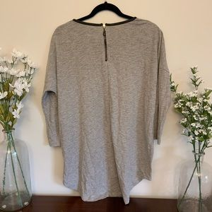 Forever 21 Tops - Gray 3/4 Sleeve High/Low Shirt